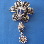 [Eternel] Brooch - Flower with a Dangle
